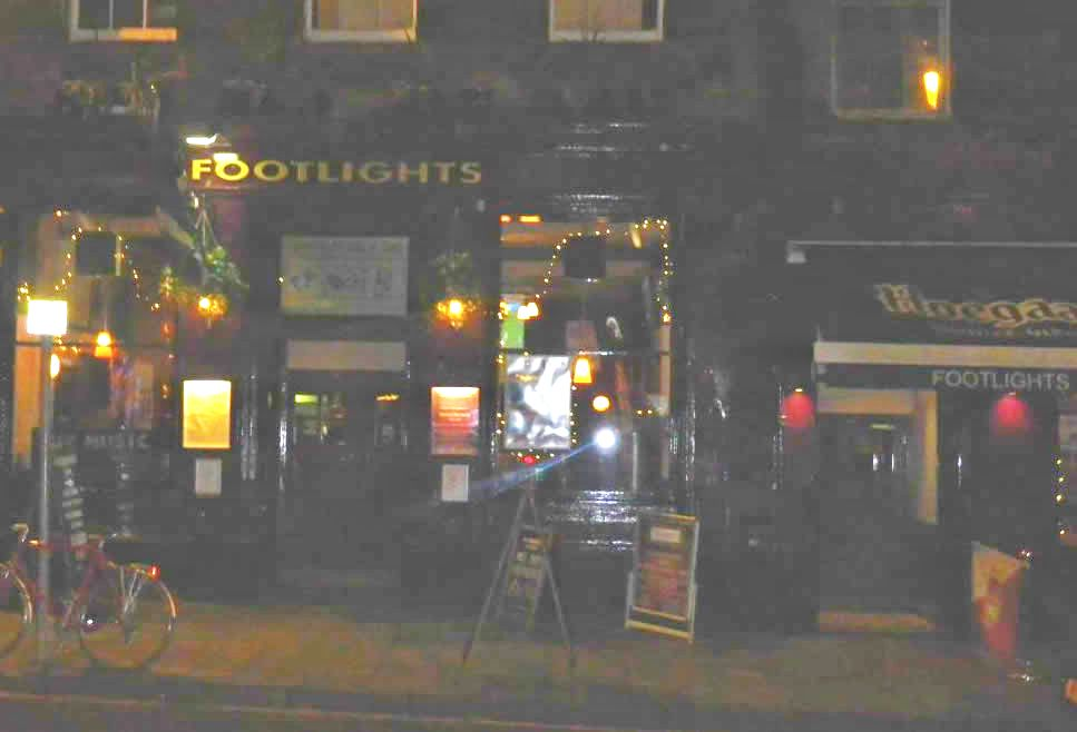 Footlights Bar Gig (1)