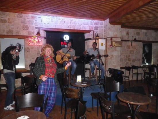 nob-stewart-at-raven-pub-4