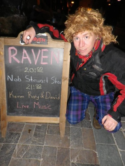 nob-stewart-at-raven-pub-6